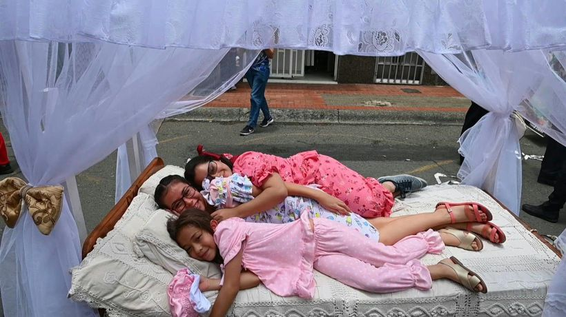 Colombians celebrate 'World Laziness Day'