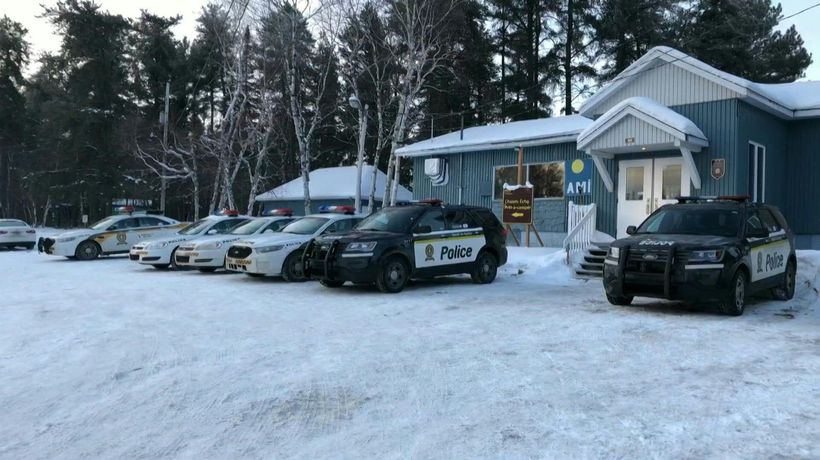 Canada: Search for missing French snowmobilers continues (2)