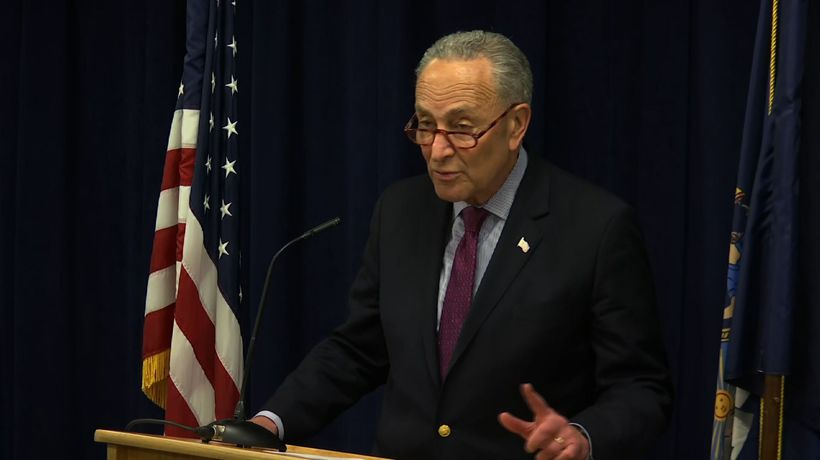 Schumer: No WH 'sneak preview' of Mueller report