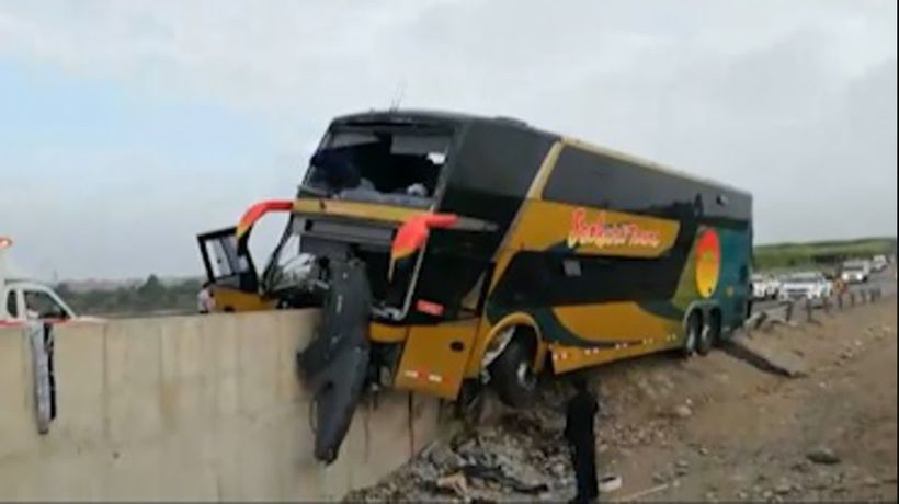 At least 8 dead, dozens injured in Peru bus crash