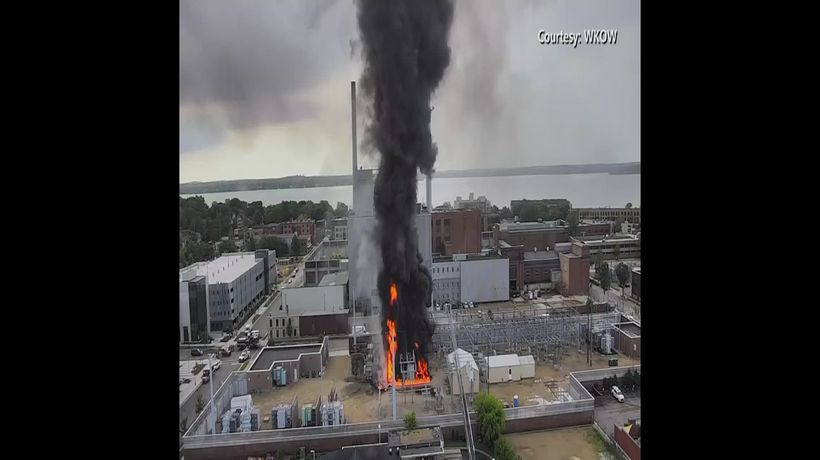 Fires knock out power for thousands in Wisconsin