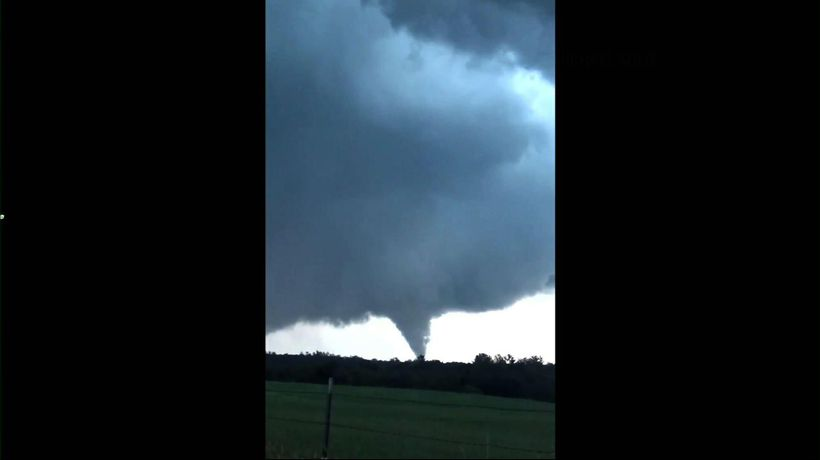 Video shows Minnesota tornado, damage
