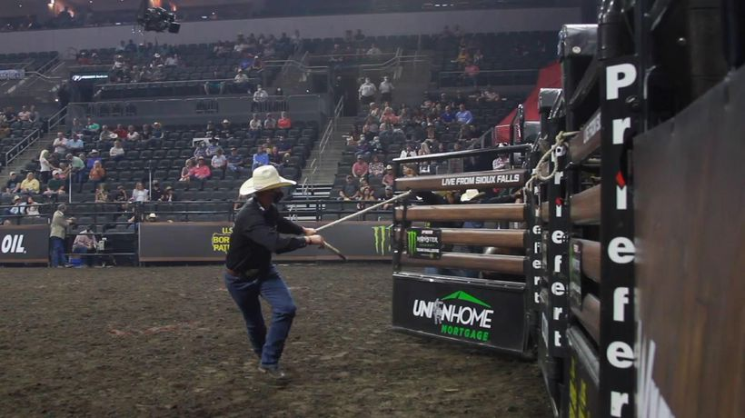 Professional Bull Riders welcomes fans into arena