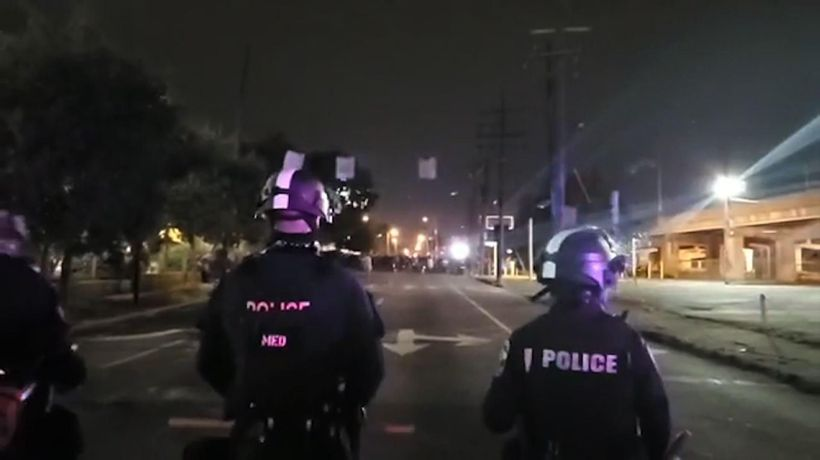 """Police video captures """"officer down"""" in Louisville"""