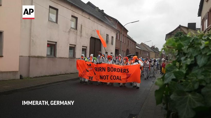 Climate activists protest at Garzweiler coal mine