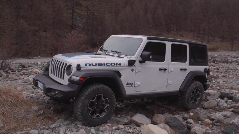 Jeep® Wrangler 4xe Rubicon Offroad driving