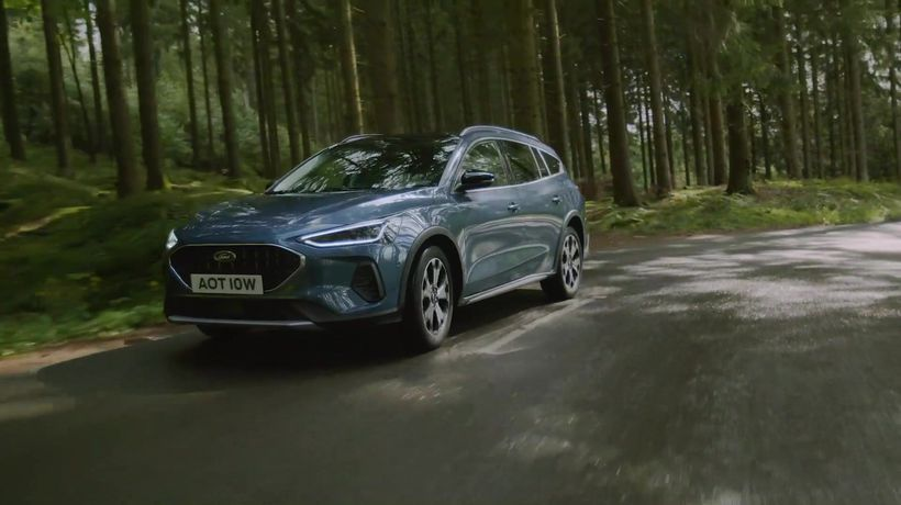 2021 Ford Focus Active in Blue Driving Video