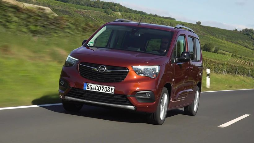 The new Opel Combo-e Life Driving Video