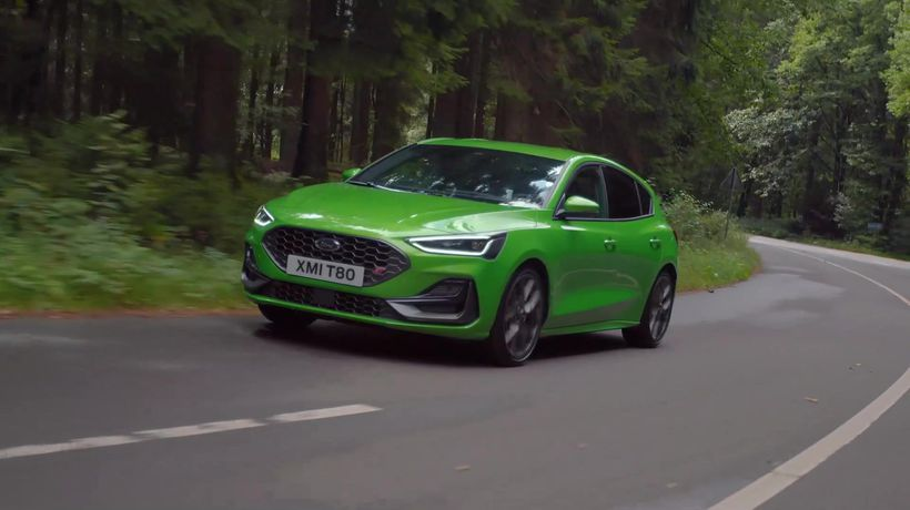 2021 Ford Focus ST in Green Driving Video