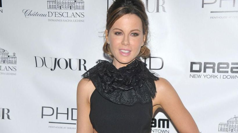 Kate Beckinsale makes packed lunch