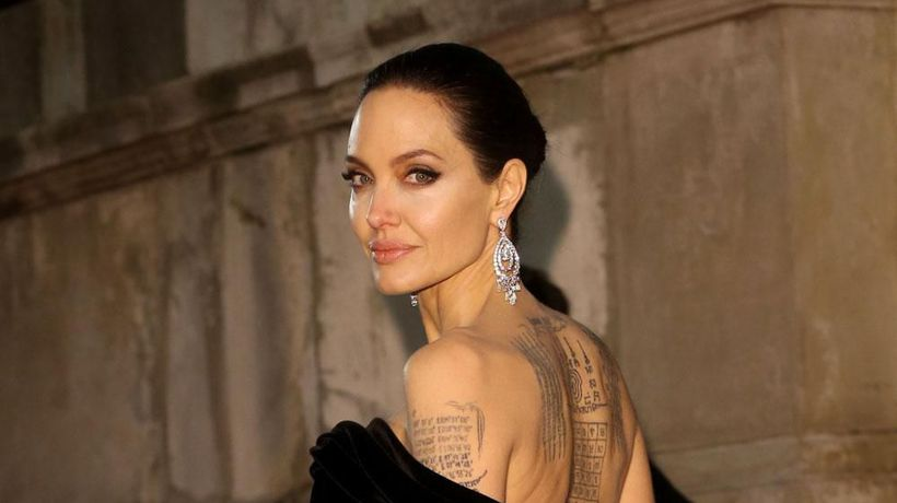 Angelina Jolie urges girls to not be perfect