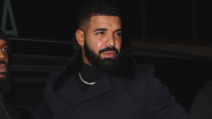 Drake 'had a huge smile on his face' when Rihanna attended his birthday bash