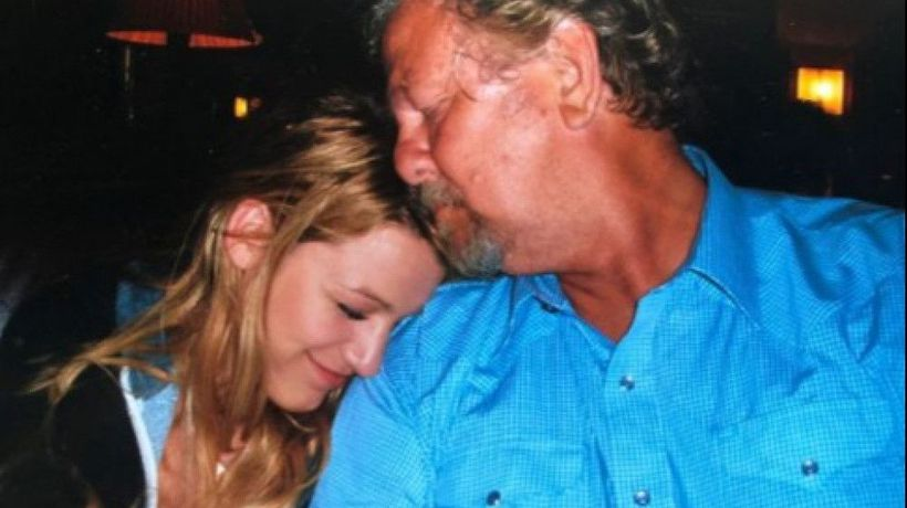 Blake Lively breaks silence on father's Death