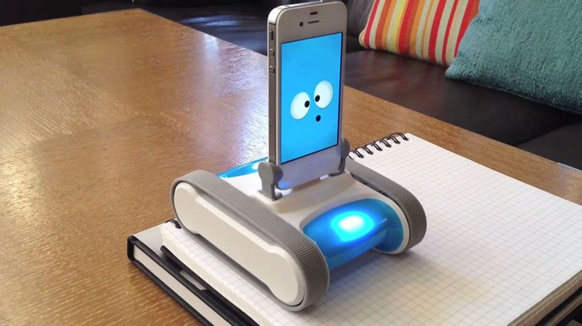 Future Thinking - Romo - Turning Your Phone into A Friendly Robot