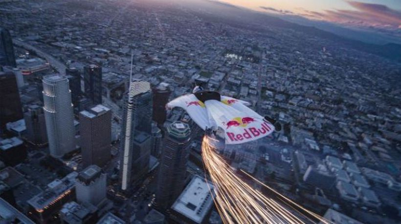 Flying stunt startles Los Angeles residents