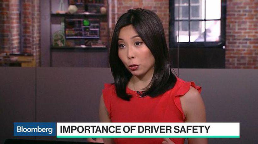 Bloomberg Technology - The Dark Side Women Face Driving for Uber and Lyft