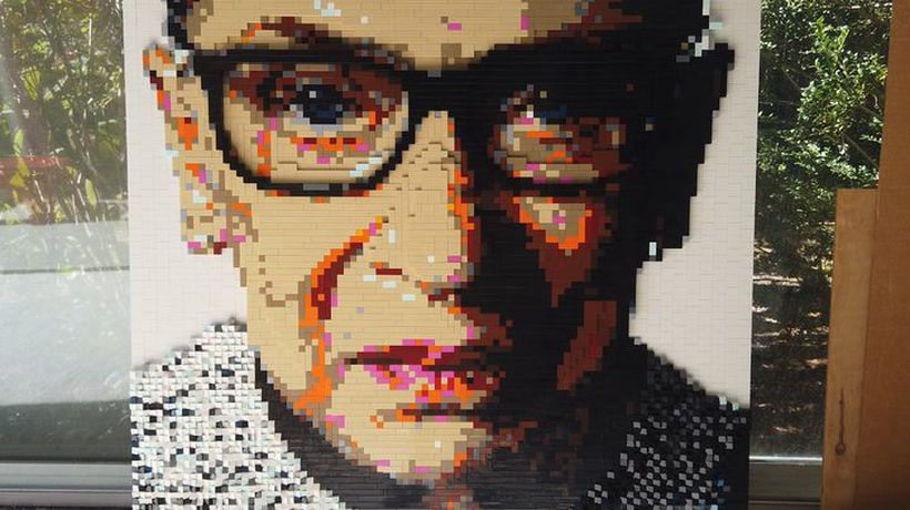 This artist creates portraits using thousands of LEGO bricks