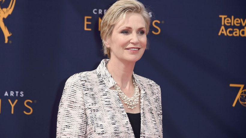 Actress Jane Lynch Takes Her Game Show to Her Beach House