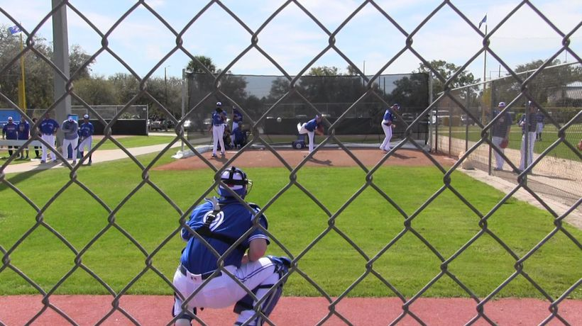 Aaron Sanchez feeling good after first throwing session at spring training