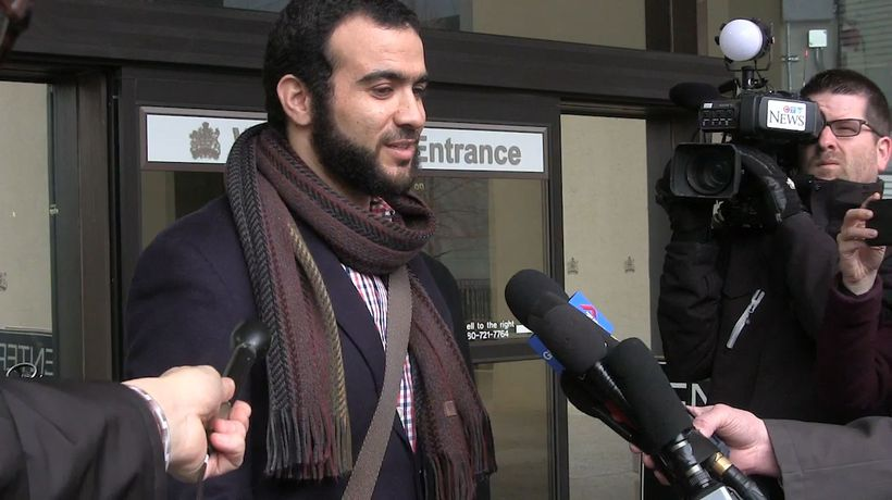 Omar Khadr leaves Edmonton court a free man
