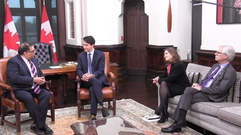 Trudeau sits down with Calgary, Vancouver mayors to address feelings of frustration in the West