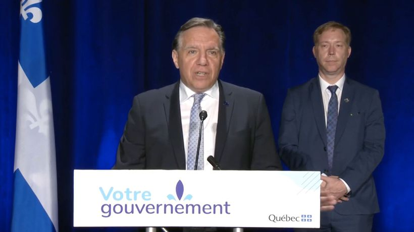 Legault strongly recommends masks, but not ready to make it mandatory
