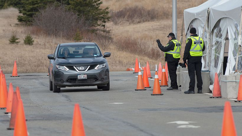 No plans for Nova Scotia border restrictions following COVID-19 outbreaks in New Brunswick