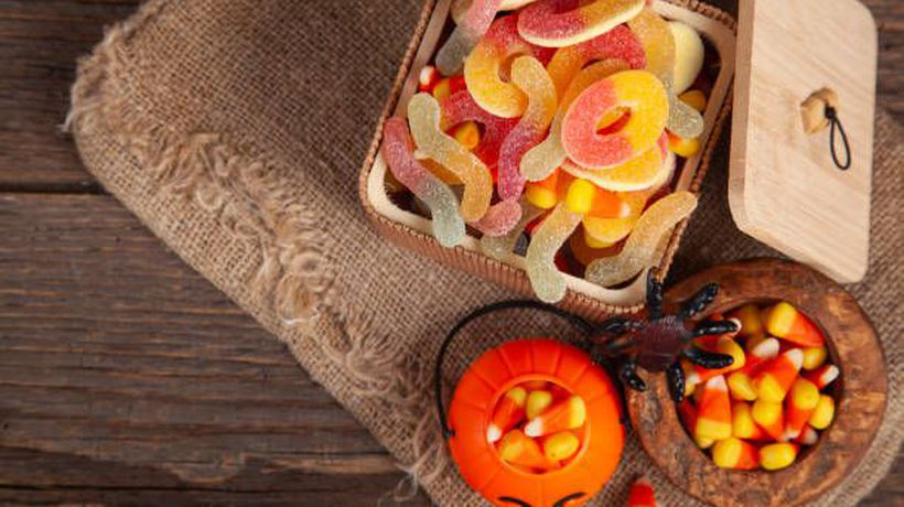 These Are the Worst Halloween Candies for Your Teeth
