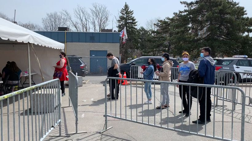 Toronto's 18+ COVID-19 vaccination pop-up clinic sees hundreds in line to get jab
