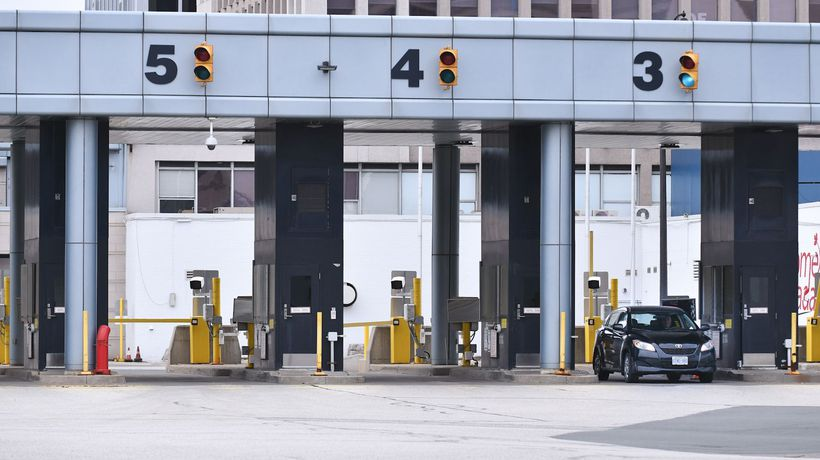Ottawa working with border security union over possible strike