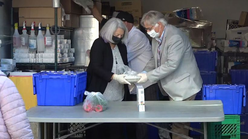 Gov. Gen. helps feed hungry in Ottawa