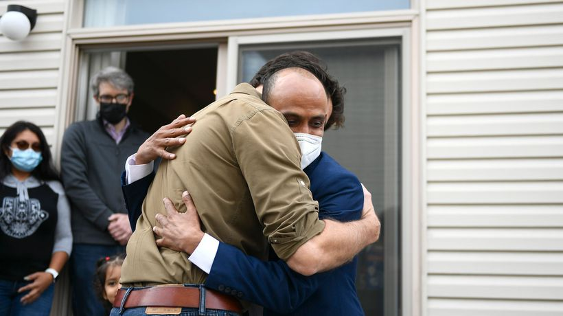 'Thank you:' Trudeau meets resettled Afghan family Thanksgiving weekend