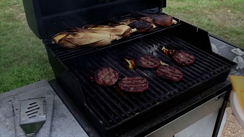 Mistakes Everyone Makes When Grilling