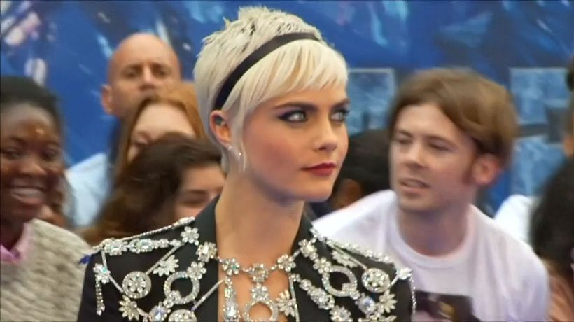 Cara Delevingne not impressed by attacks on Karl Lagerfeld following death