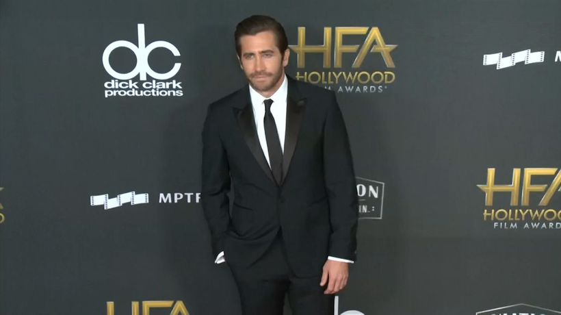 Jake Gyllenhaal came to the aid of coughing woman during theatre monologue