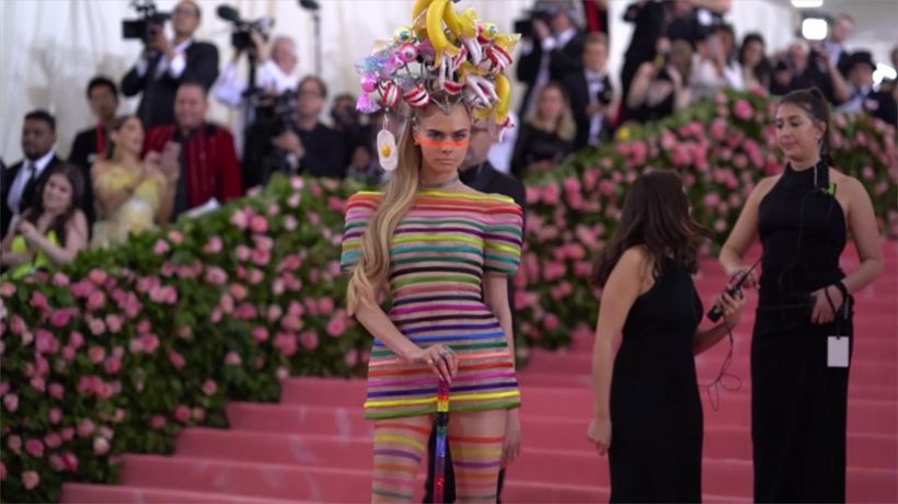 Cara Delevingne and Ashley Benson celebrate Pride Month with steamy clip