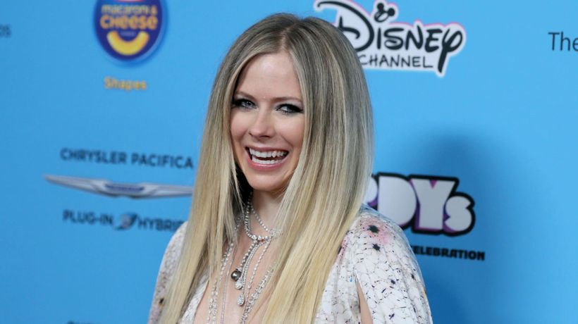 Avril Lavigne Announces first tour in five years