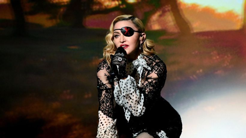 Madonna tries autohemotherapy as she battles pain on tour