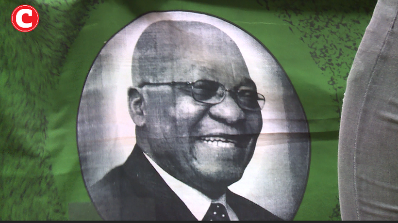 'Boisterous' support for Jacob Zuma at OR Tambo airport as he returns from Cuba