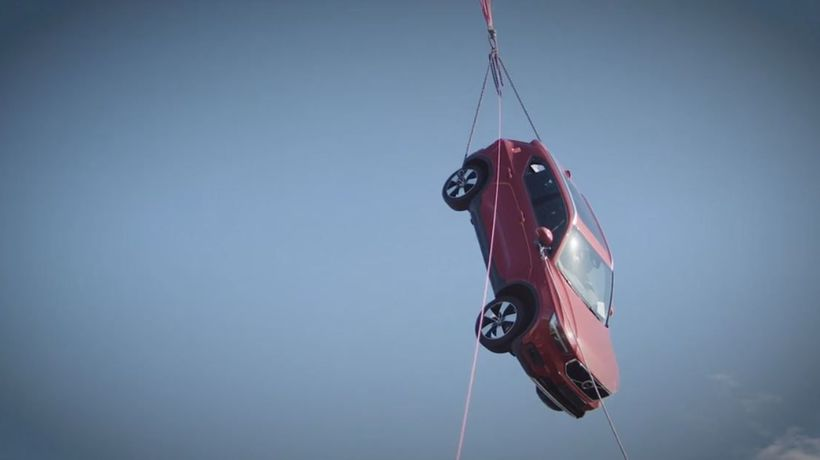 Watch how Volvo Cars drops new cars from 30 metres to help rescue services.