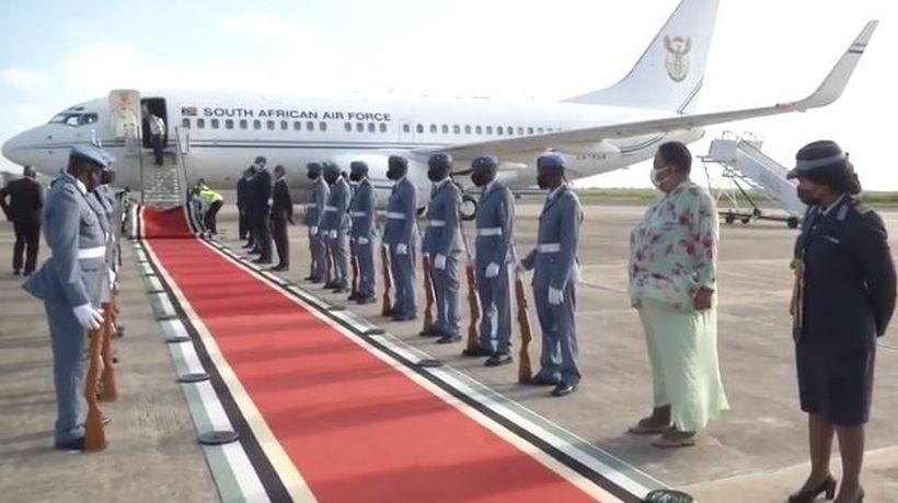 Cyril Ramaphosa arrives in Mozambique