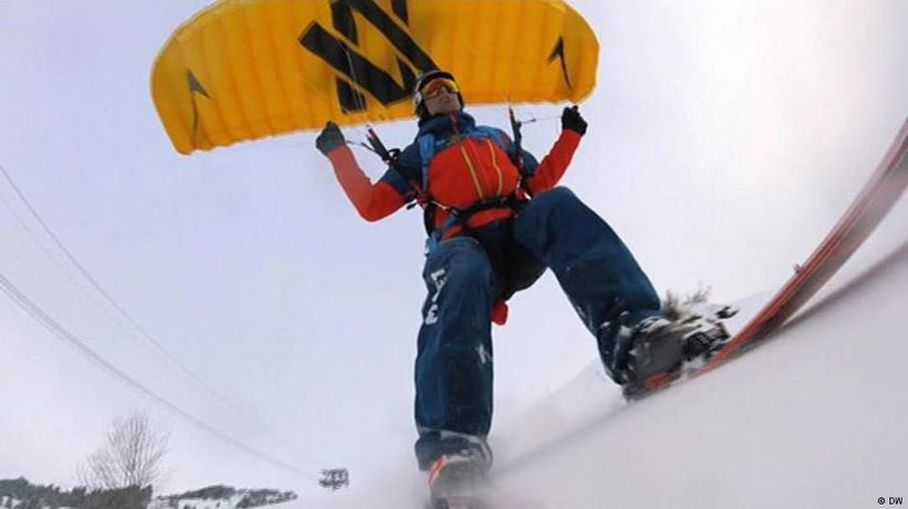 Speed riding - soaring over the slopes