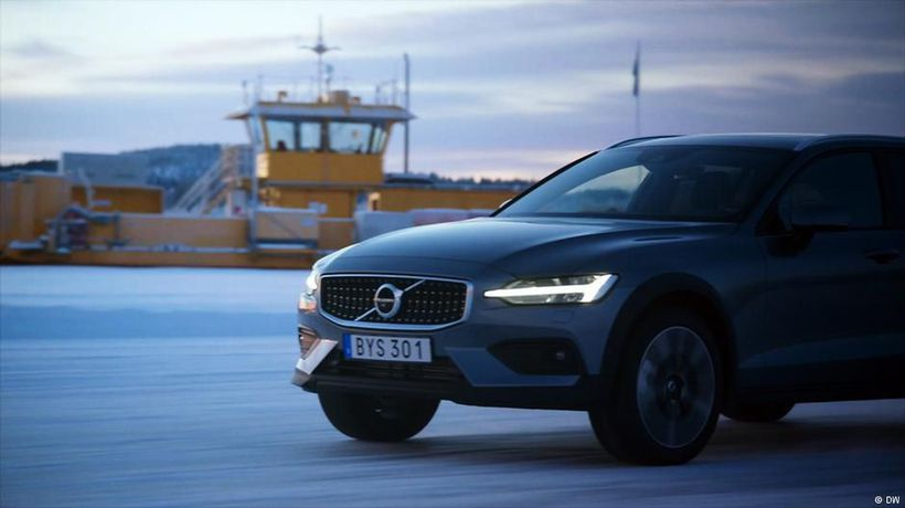 Test it! the Volvo V60 Cross Country vs. Snow