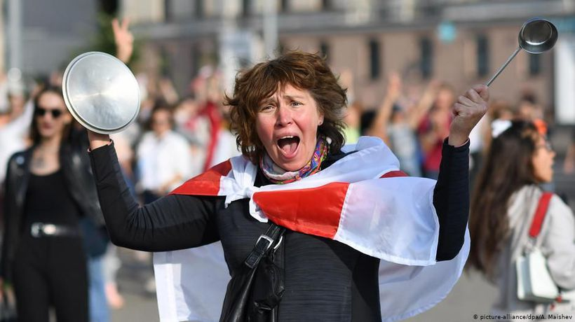 Belarus: Women stand up to Lukashenko