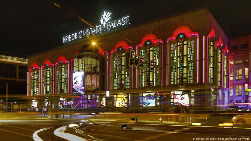 Grand revue in the Friedrichstadt-Palast