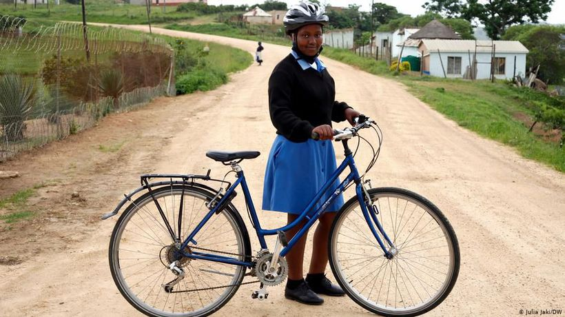 South Africa: Cycling to school