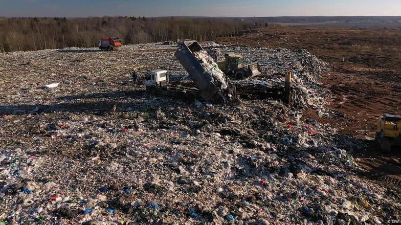 Russia: Fighting mountains of garbage