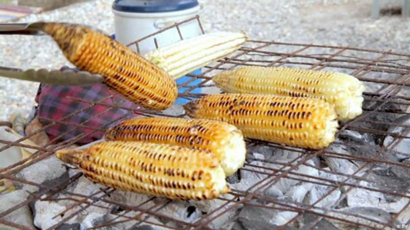 Global Snack: Grilled corn from Ghana