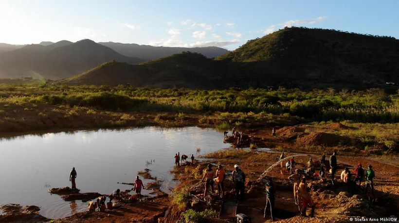 Illegal gold mining in Mozambique