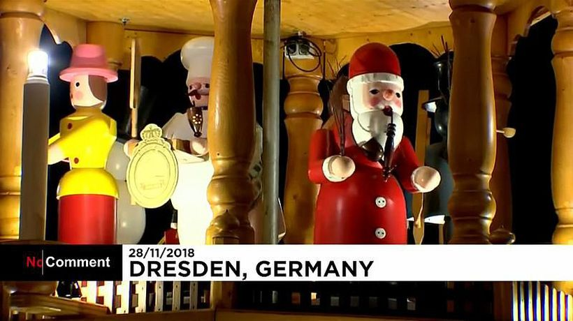 No Comment - Dresden opens its famous Christmas market